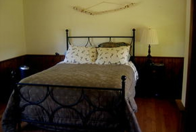 Here's one of the 3 bedrooms. There are two bedrooms with queen beds and one with a twin, double, and roll-away cot.