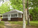 Private 2 bedroom cabin on east shore with 2 queens and new log futon