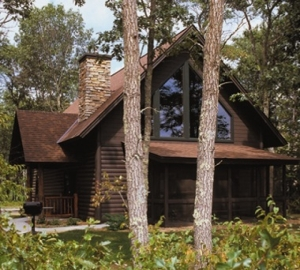 6 bedrooms with rec room. Check rates here: http://www.rentminnesotacabins.com/detail.php?id=980
