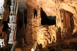 Lewis and Clarke Caverns